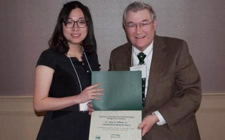 Che receives Dr. James K. Billman, Jr. Undergraduate Research Award